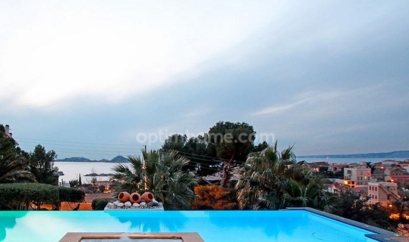 Villa d'architecte de 350  m2 - Marseille (13007)