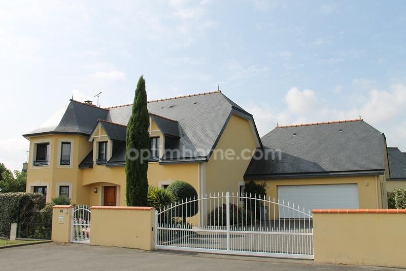 Maison de 210  m2 - Pontorson (50170)