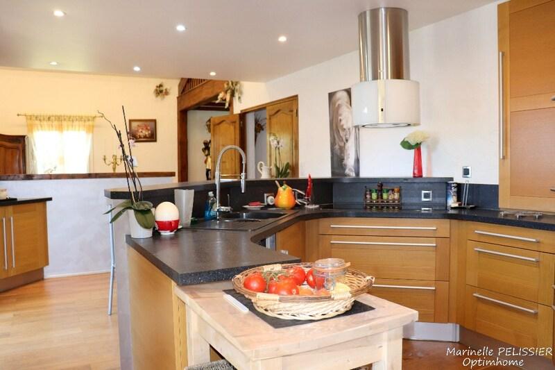 Maison de 180  m2 - Saint-Sigismond (74300)