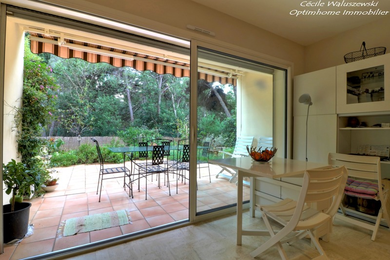 Appartement en rez-de-jardin de 39  m2 - Bandol (83150)