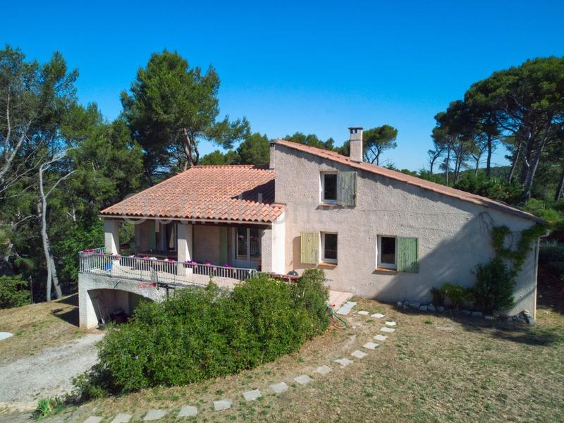 Villa de 212  m2 - Cabriès (13480)
