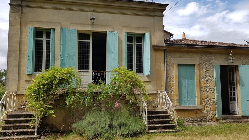Demeure de 370  m2 - Tizac-de-Curton (33420)