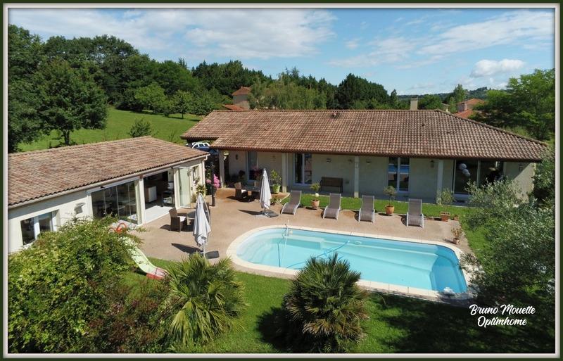 Villa d'architecte de 235  m2 - Marciac (32230)
