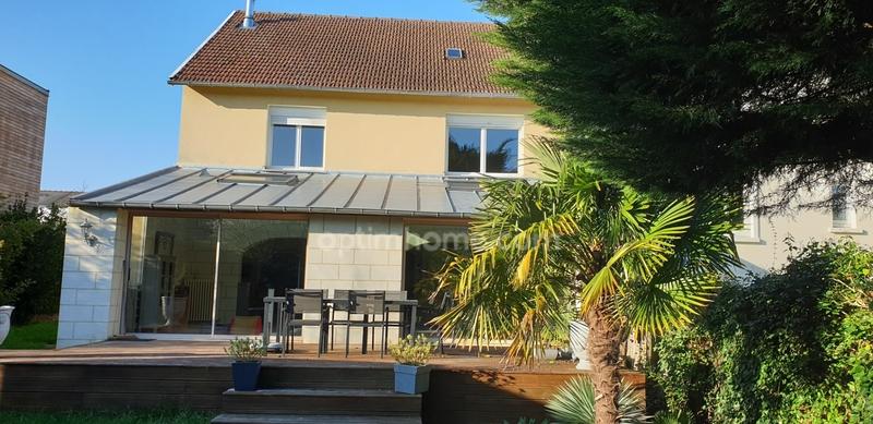 Maison de 140  m2 - Écouflant (49000)