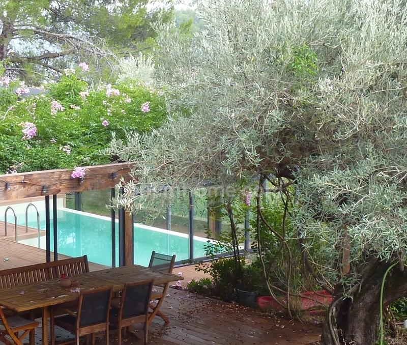 Maison de 220  m2 - Solliès-Pont (83210)