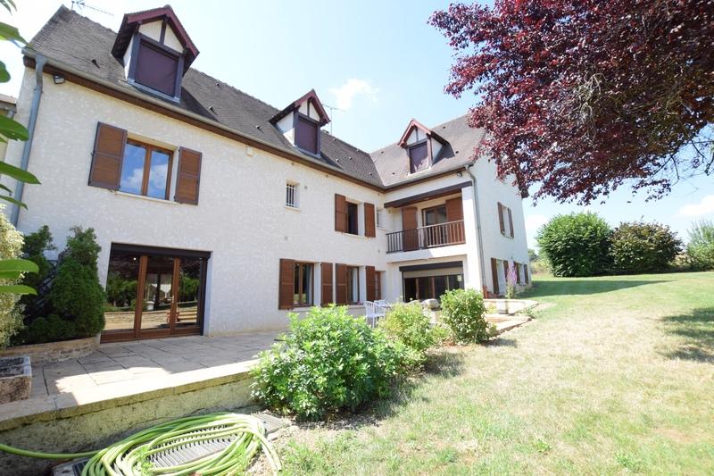 Maison de 380  m2 - Trucy-sur-Yonne (89460)