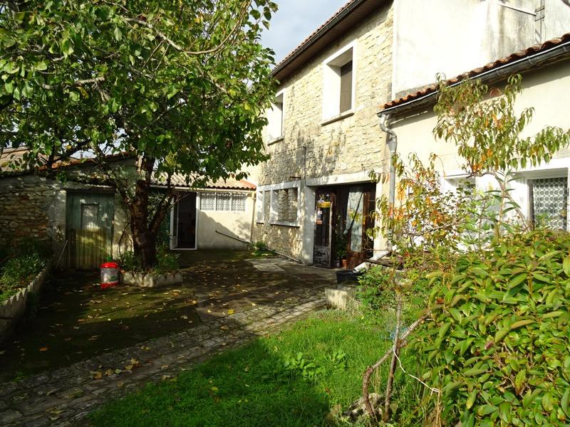 Maison individuelle de 170  m2 - Mornac (16600)