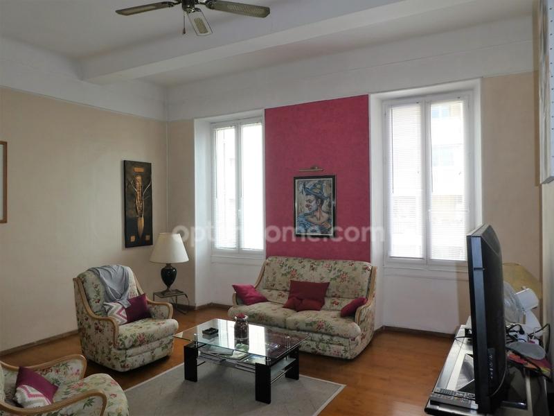 Appartement de 61  m2 - Toulon (83000)