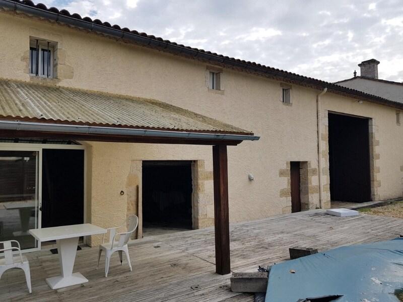 Maison de maître de 470  m2 - Montpon-Ménestérol (24700)