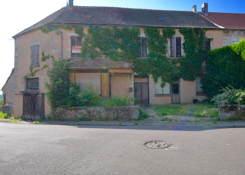 Maison à rénover de 218  m2 - Quarré-les-Tombes (89630)