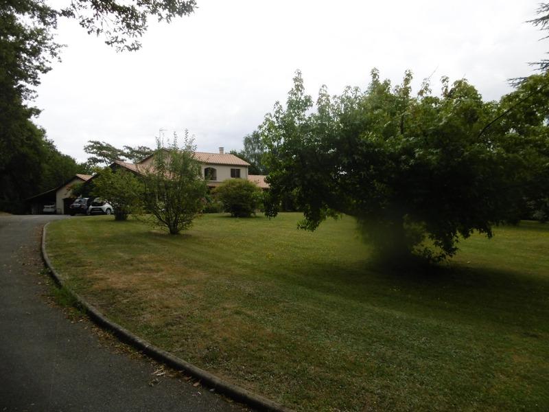 Maison de 178  m2 - Saint-Junien (87200)
