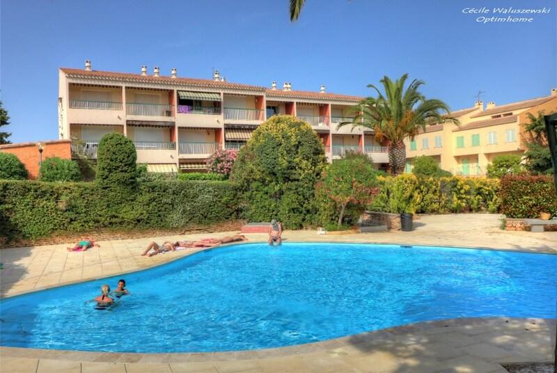 Appartement en résidence de 30  m2 - Bandol (83150)