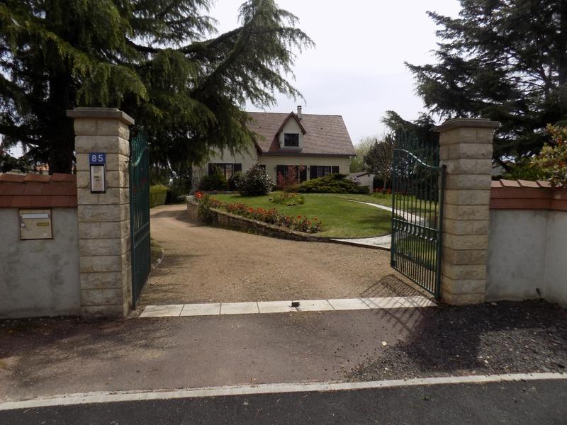 Maison de caractère de 250  m2 - Montmorillon (86500)