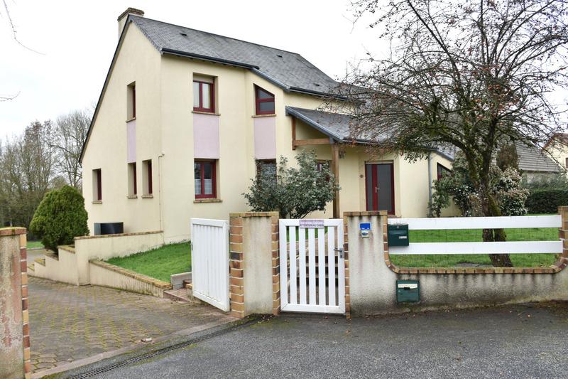 Maison de 152  m2 - La Bazoche-Gouet (28330)