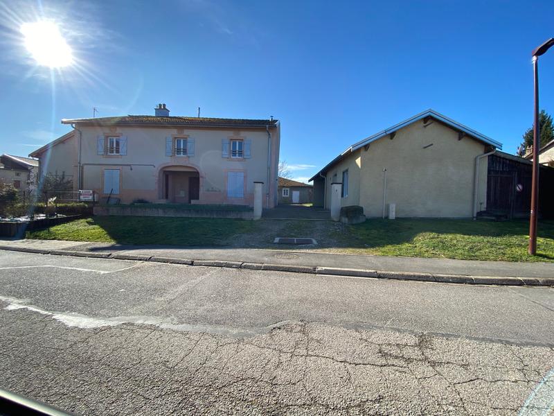 Maison de 225  m2 - Remoncourt (88800)