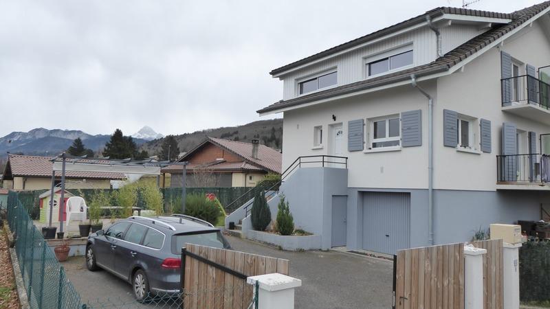 Maison mitoyenne de 100  m2 - Évian-les-Bains (74500)