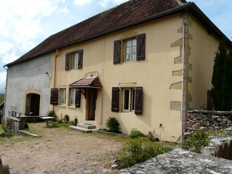 Maison en pierre de 170  m2 - Chauffailles (71170)