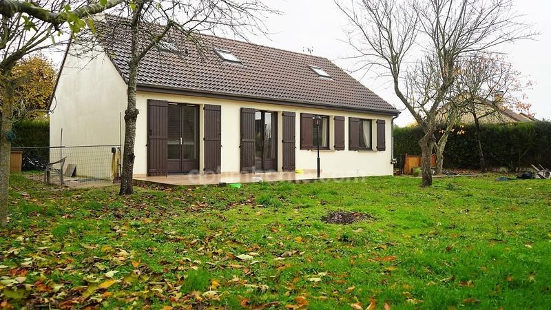 Maison de 138  m2 - Dreux (28100)