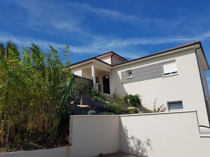Maison de 180  m2 - Vienne (38200)