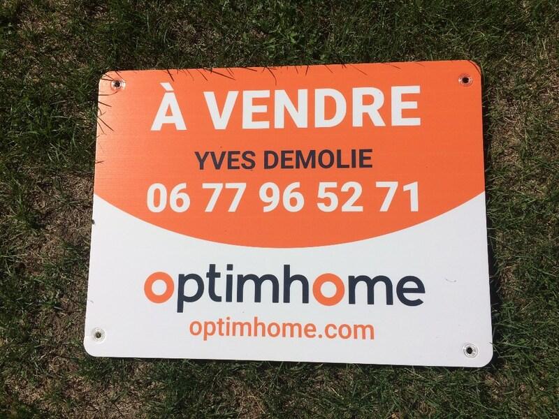 Terrain constructible de   m2 - Vic-le-Comte (63270)