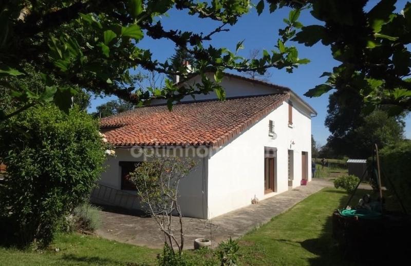 Maison de 138  m2 - Bellac (87300)