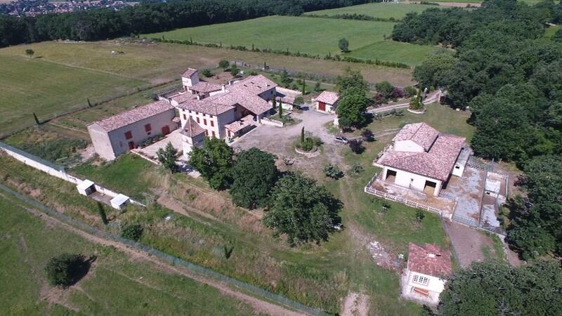 Domaine de 700  m2 - Albi (81000)