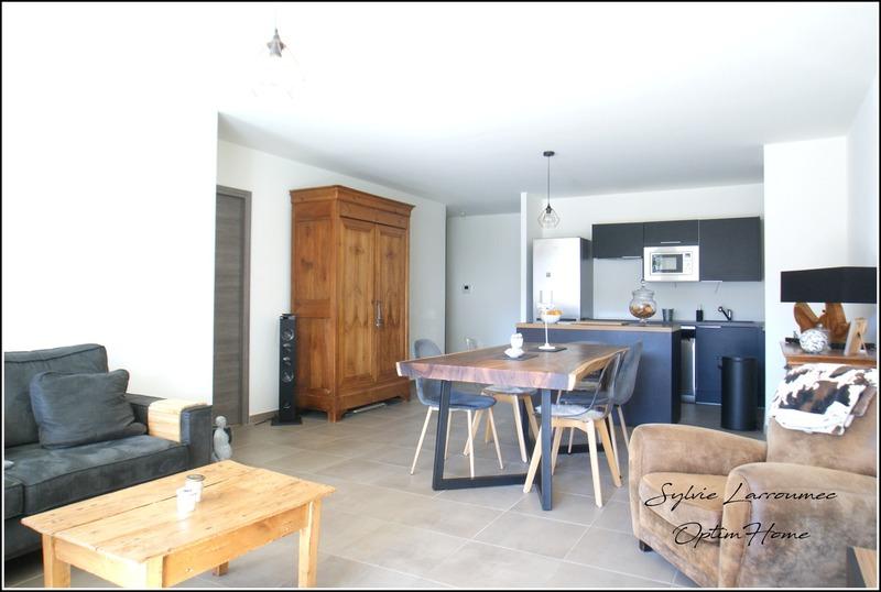 Appartement en rez-de-jardin de 102  m2 - Annecy (74000)