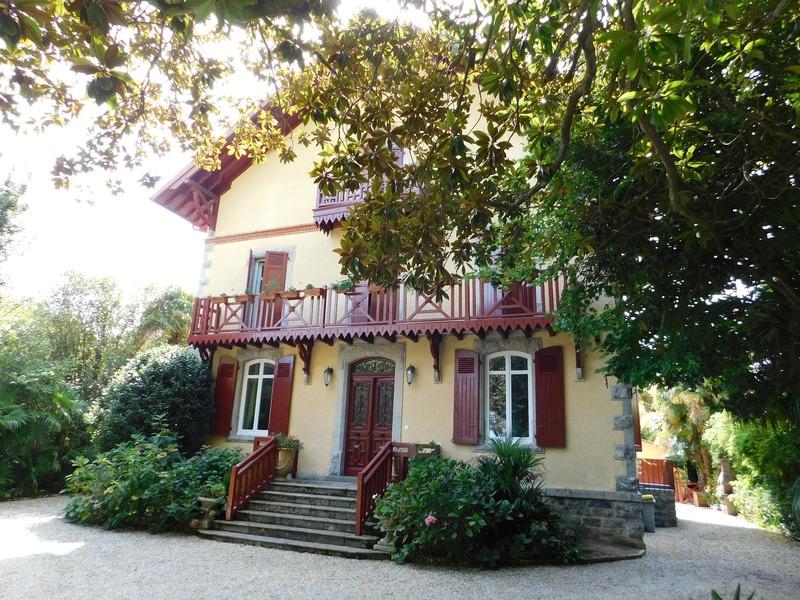 Maison de 320  m2 - Cambo-les-Bains (64250)