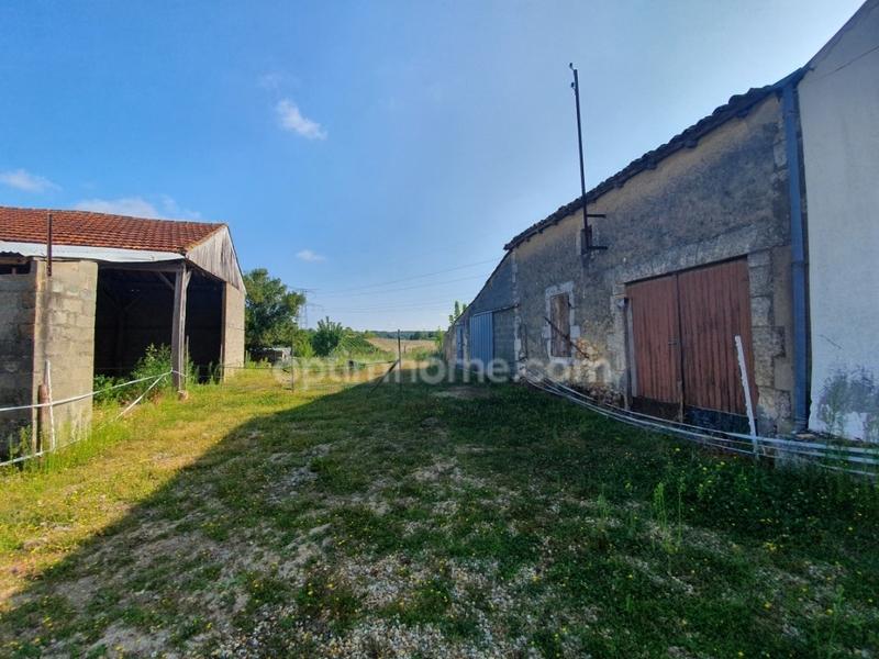 Maison à rénover de 283  m2 - Saint-Bonnet-sur-Gironde (17150)