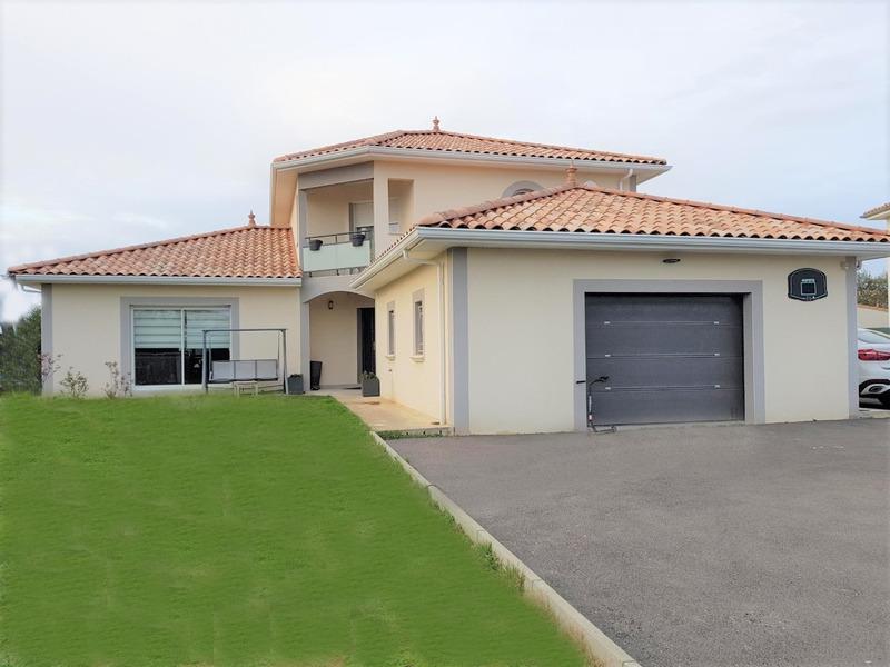 Maison de 187  m2 - Roussillon (38150)