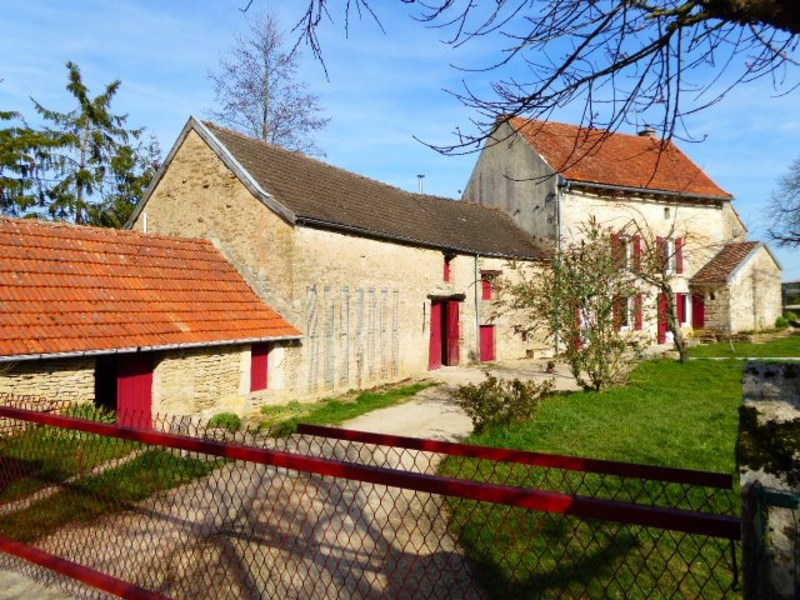 Maison de 135  m2 - Montbard (21500)