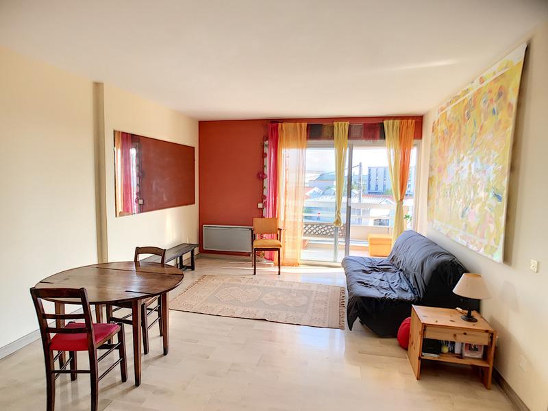 Appartement de 51  m2 - Antibes (06600)