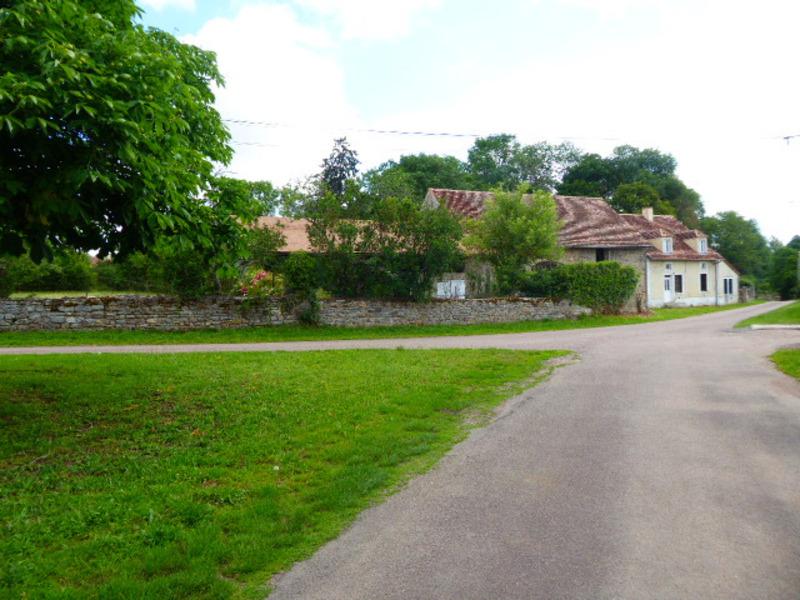 Maison à rénover de 110  m2 - Semur-en-Auxois (21140)