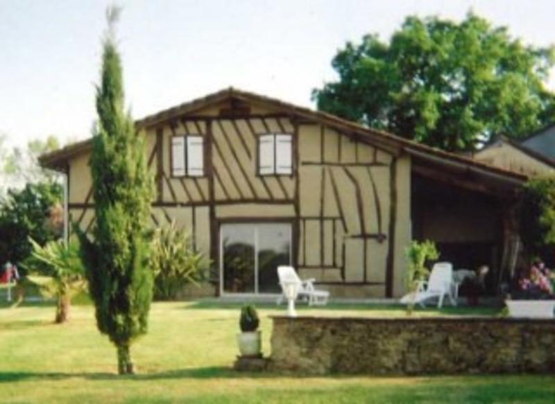 Domaine de 400  m2 - Eauze (32800)