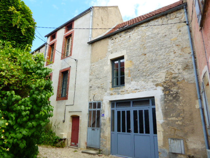 Maison rénovée de 145  m2 - Montbard (21500)