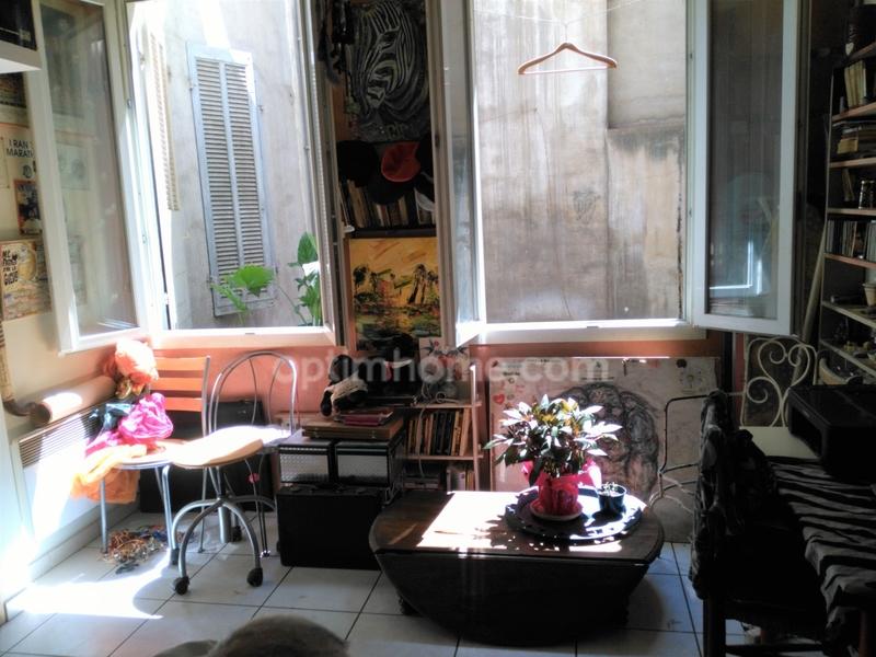 Appartement ancien de 85  m2 - Marseille (13007)