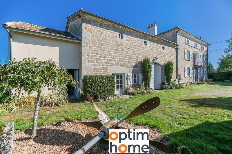 Maison de 210  m2 - Saint-Jean-des-Ollières (63520)