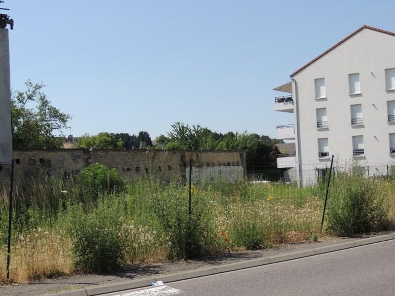 Terrain constructible de   m2 - Boulay-Moselle (57220)
