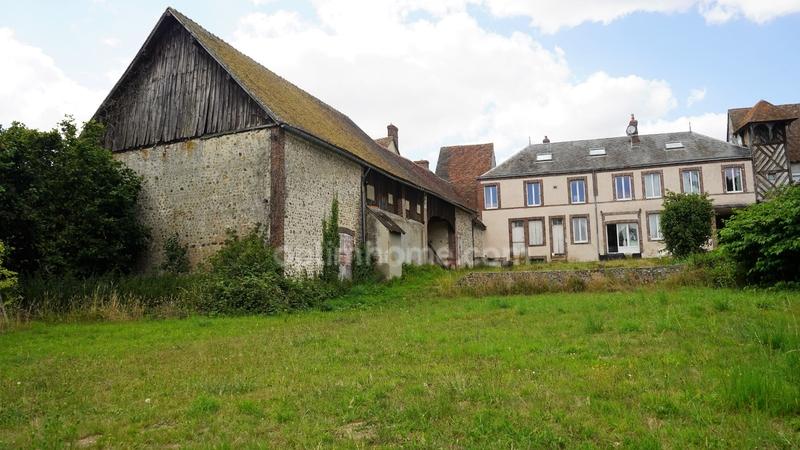 Maison de 280  m2 - La Loupe (28240)