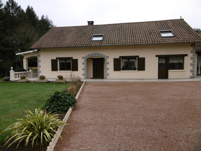 Maison de 250  m2 - Cussac (87150)