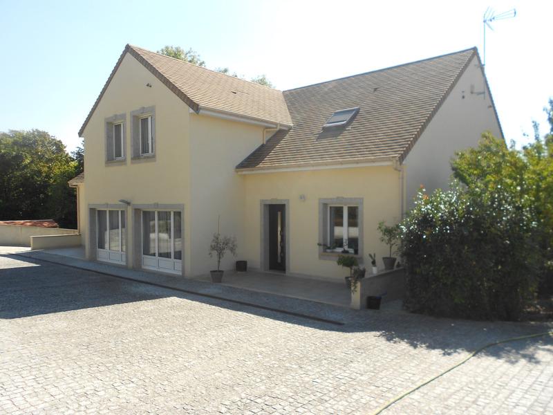 Maison de 203  m2 - Yerres (91330)