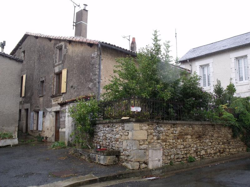 Maison de village de 112  m2 - Sanxay (86600)