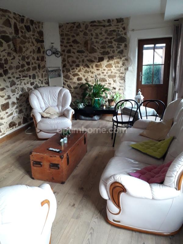 Maison rénovée de 60  m2 - Saint-Auvent (87310)