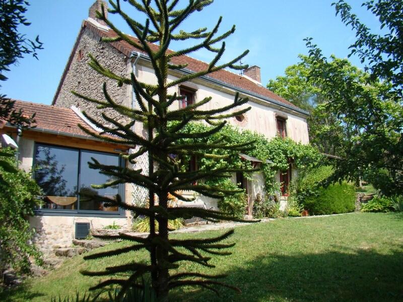 Maison de caractère de 153  m2 - Bussière-Dunoise (23320)