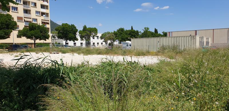 Terrain constructible de   m2 - La Valette-du-Var (83160)
