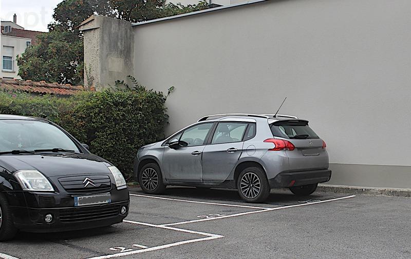 Parking intérieur de   m2 - Reims (51100)