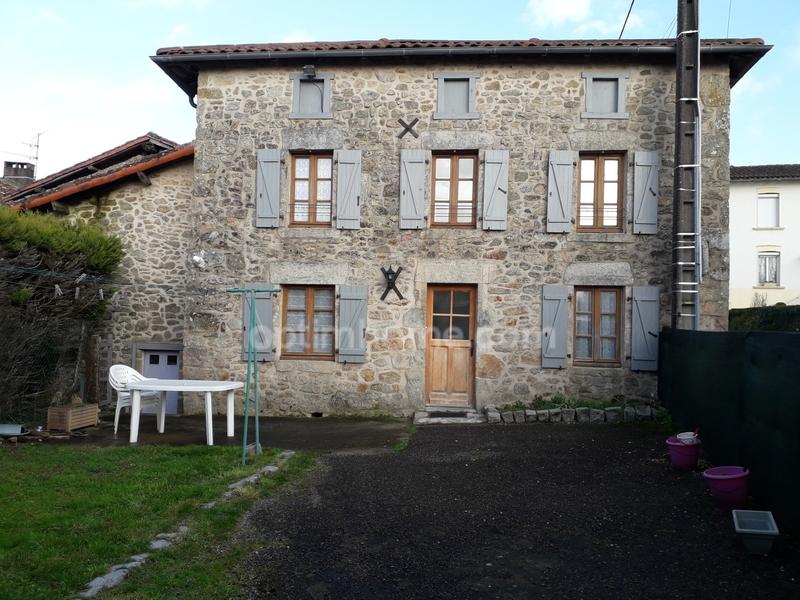 Maison de 90  m2 - Saint-Cyr (87310)
