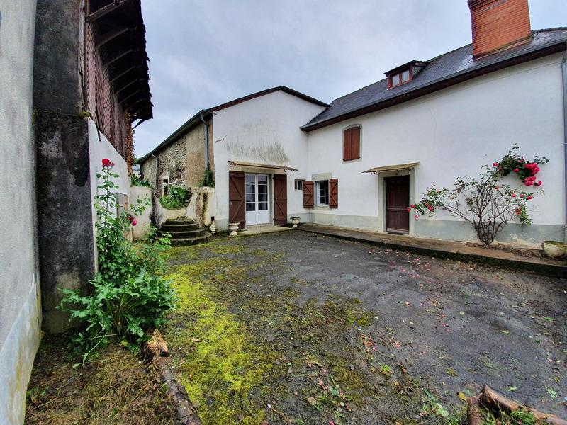 Maison de 142  m2 - Aramits (64570)