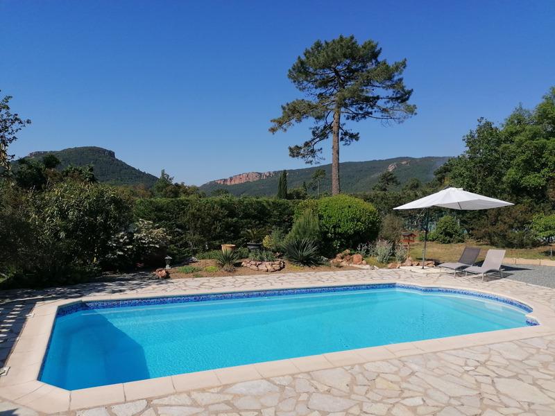 Villa de 106  m2 - Bagnols-en-Forêt (83600)