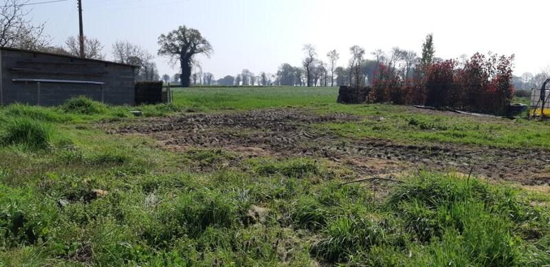 Terrain constructible de   m2 - Hédé-Bazouges (35630)